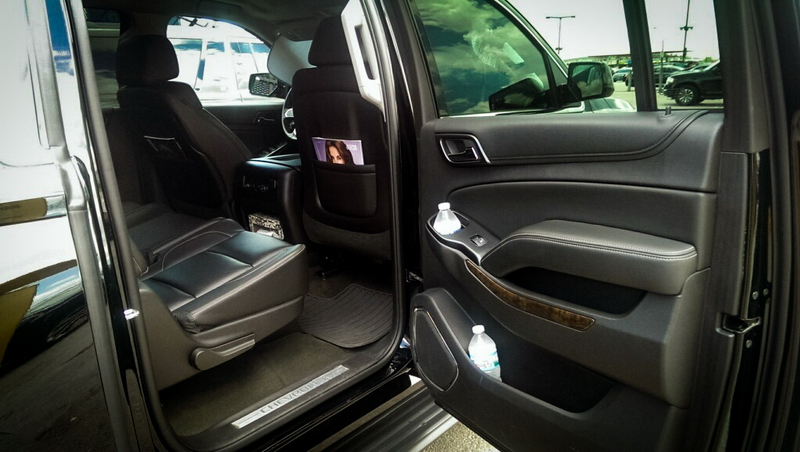 sophie-black-car-limo-chicago_54.jpg